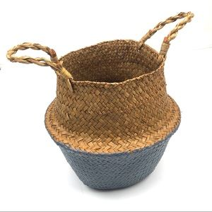 Seagrass woven foldable basket with handles